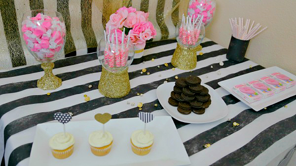 North Phoenix Moms Blog Happy Hostess Valentines Day Dessert Table 2