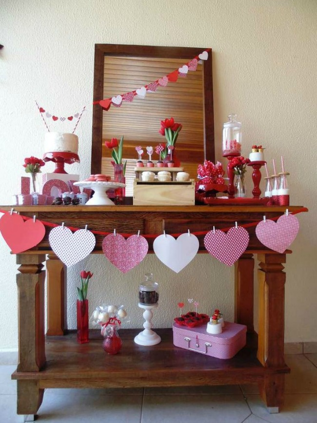 DIY Paper Heart Garland for Valentine's Day Party