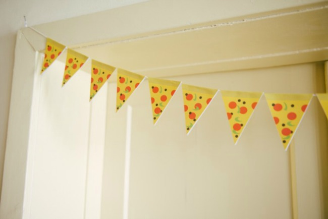 DIY pizza sice banner for pizza party