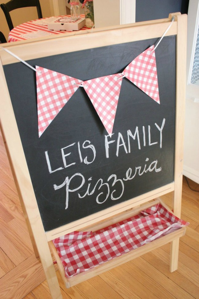 Red and white gingham italian pizzeria party
