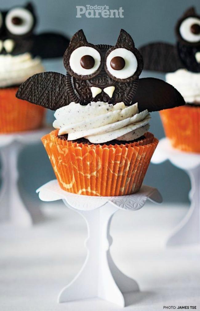 Bat cupcakes, spooky Halloween treats