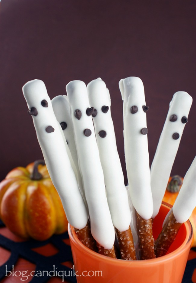 Easy ghost pretzel sticks, Halloween snacks