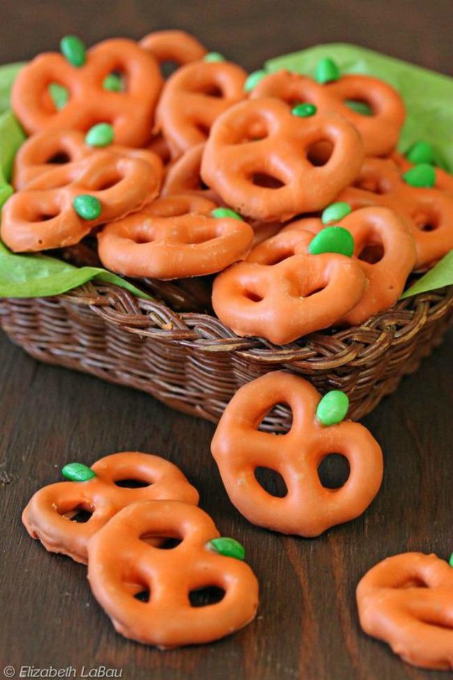 Orange pumpkin pretzels, Halloween snack