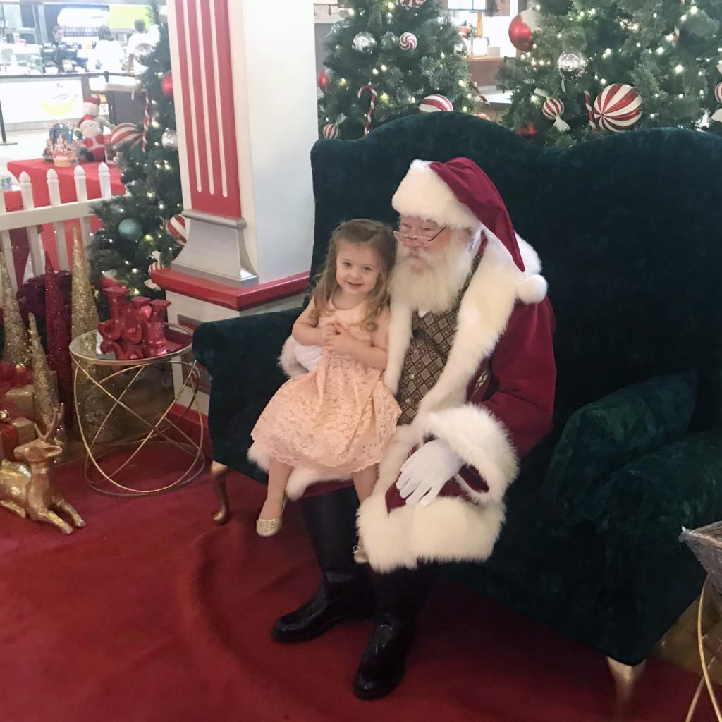 Santa photos at Arizona Mills
