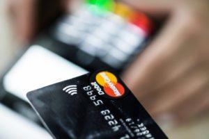 contactless-credit-card-payment-picjumbo-com